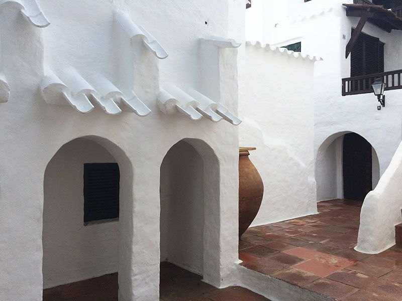 Qué ver en Menorca - Binibeca, pueblo de pescadores - Callejón