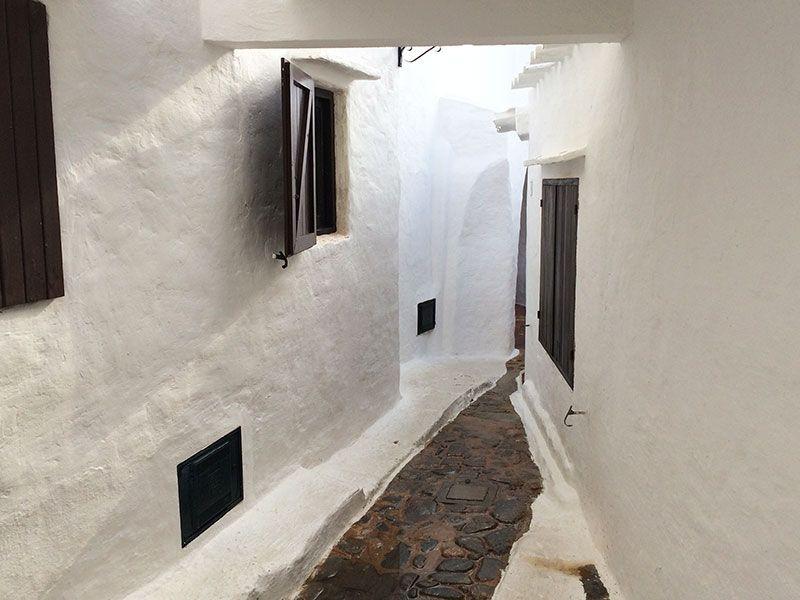 Qué ver en Menorca - Binibeca, pueblo de pescadores - Callejones