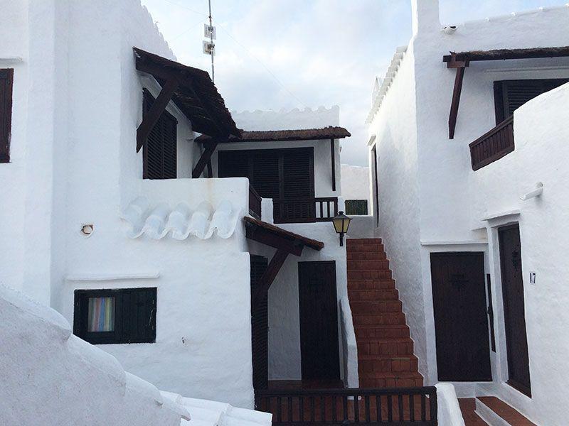 Qué ver en Menorca - Binibeca, pueblo de pescadores - Escalera en Binibeca