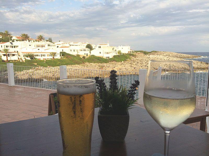 Qué ver en Menorca - Binibeca, pueblo de pescadores - Vinito y caña