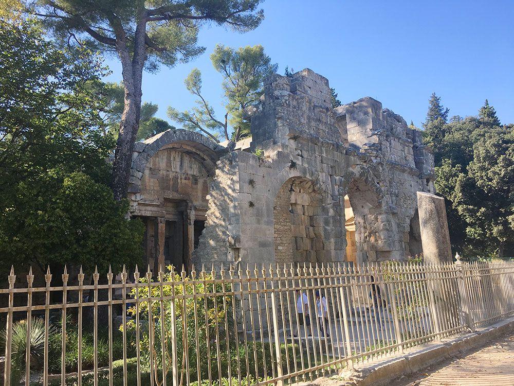Qué ver en Nîmes - Templo de Diana