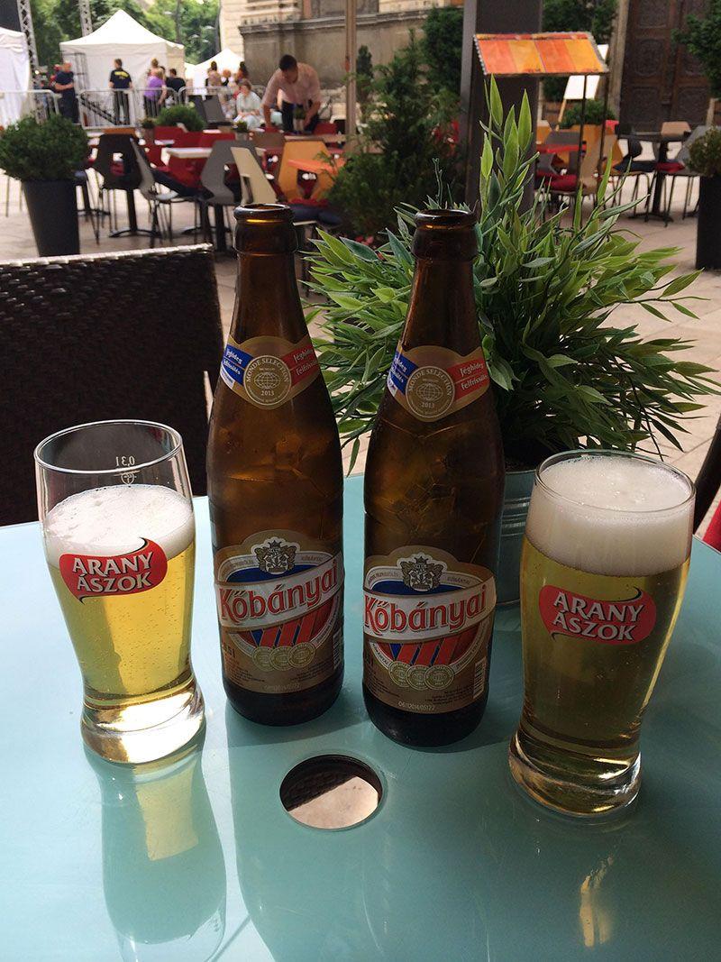 Qué ver en Pest - Budapest - Cervecitas de bievenida