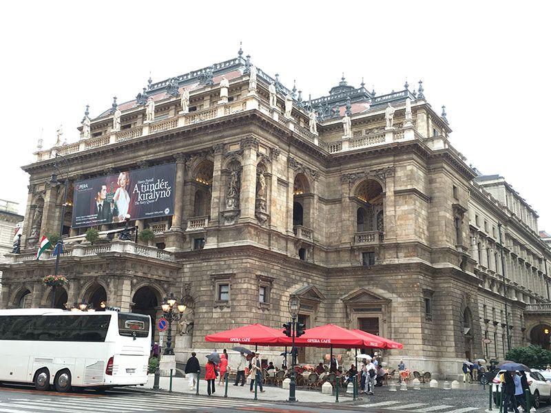 Qué ver en Pest - Budapest - Edificio de la Ópera