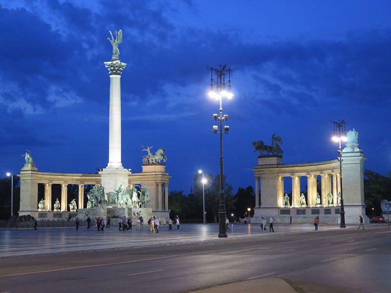Qué ver en Pest - Budapest - Plaza de los héroes