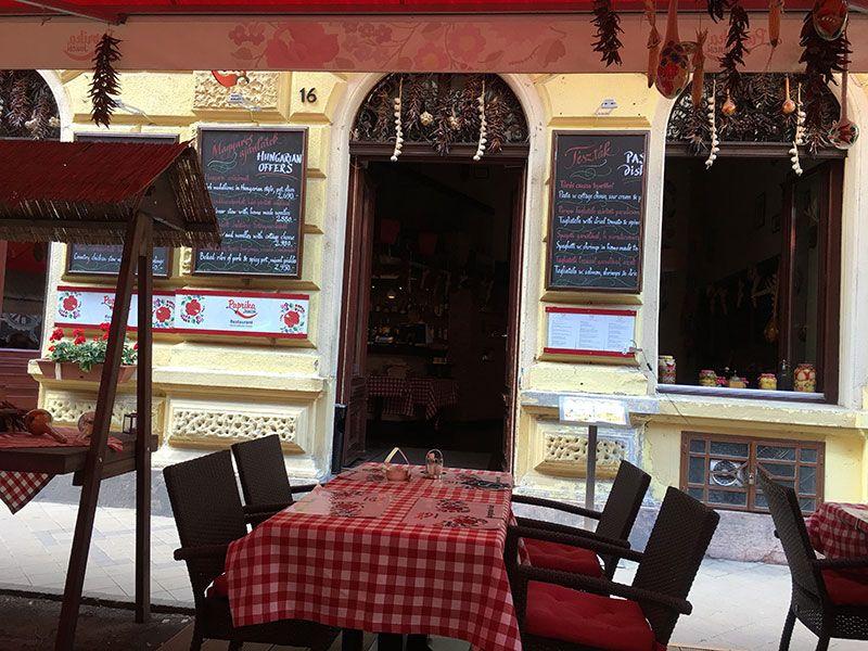 Qué ver en Pest - Budapest - Restaurante húngaro