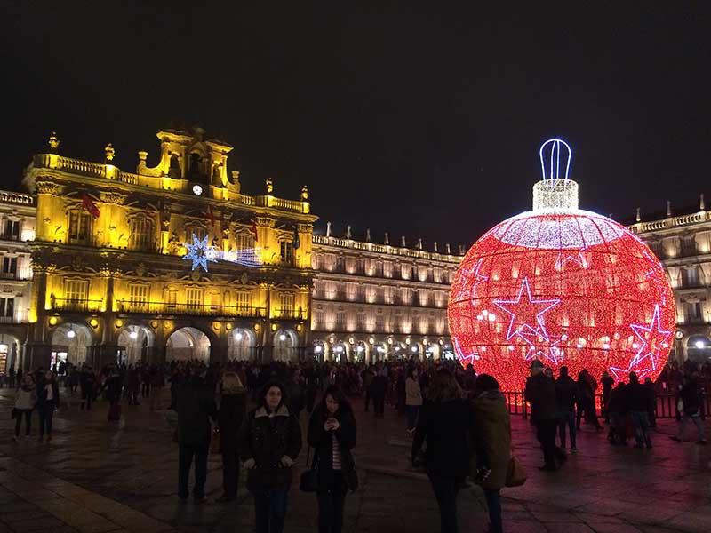 Qué ver en Salamanca en un día - Plaza Mayor con decoración navideña