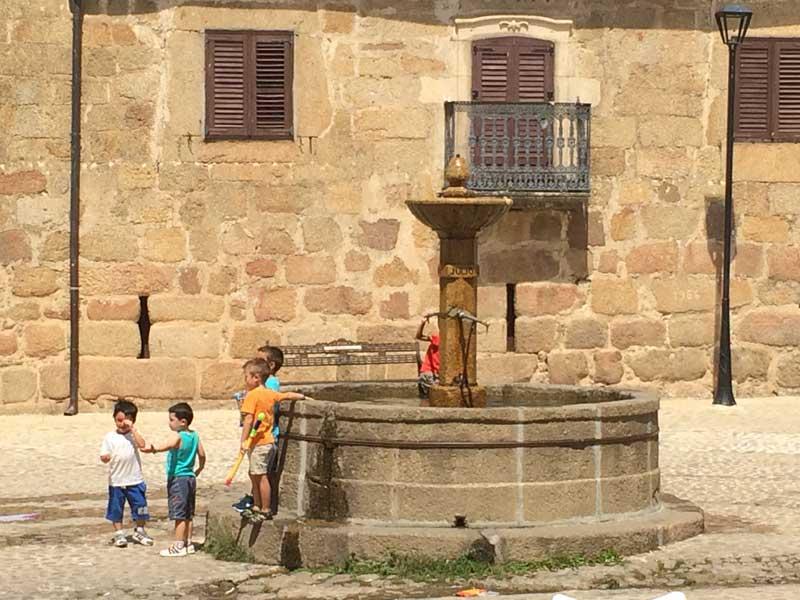 Qué ver en San Martín de Trevejo - Pilón de 1888