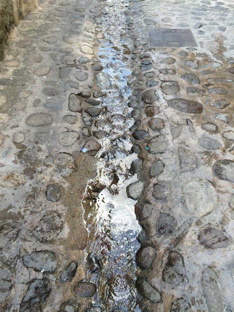 Qué ver en San Martín de Trevejo - Riachuelo por sus calles