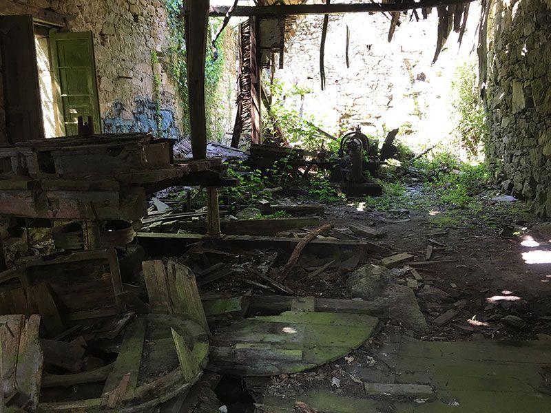 Qué ver en Trives - Ourense - Galicia - Ruinas de la fábrica de chocolate