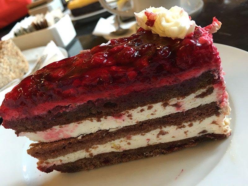 Qué ver y hacer en Budapest en 2 días - Tarta de frutos rojos