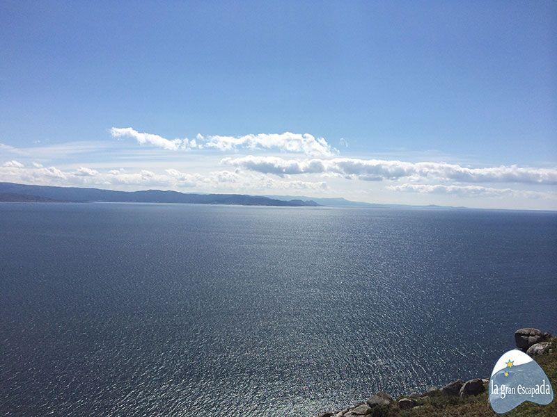 Vistas del Atlántico desde el Faro de Finisterre