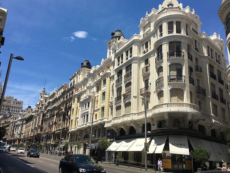 Qué ver y hacer en Madrid en un día - Gran Vía