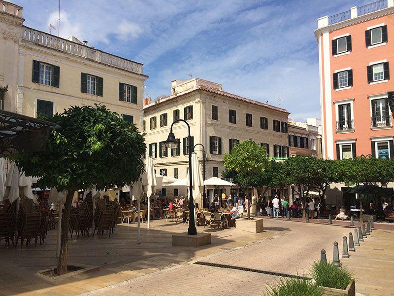 Qué ver y hacer en Menorca - Plaza de Mahón