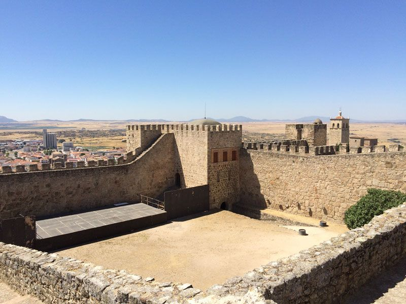 Patio de armas del Castillo de Trujillo