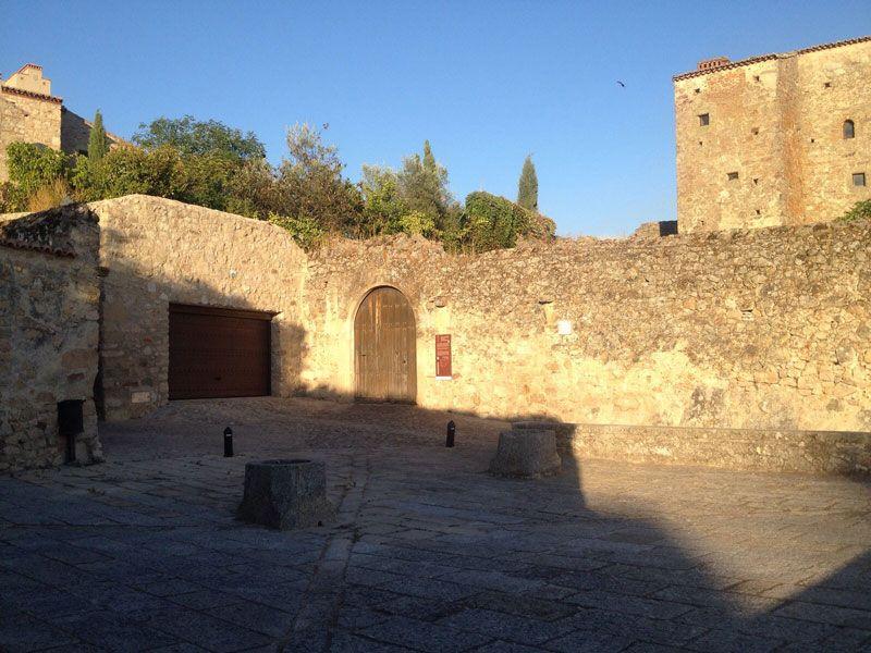 Plaza de Los Altamirano del recinto amurallado de Trujillo