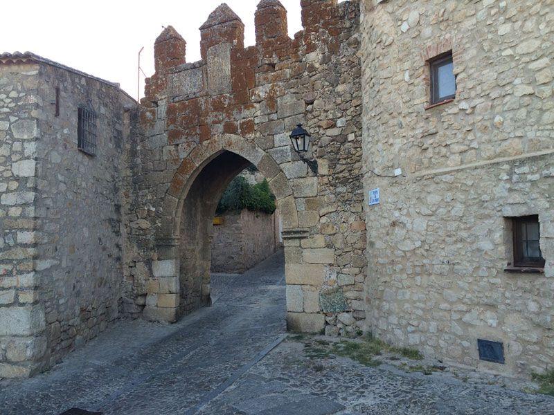 Puerta de San Andrés del recinto amurallado de Trujillo