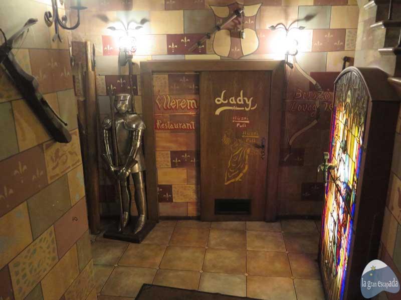 Restaurante medieval Sir Lancelot Budapest - Baño de señoras