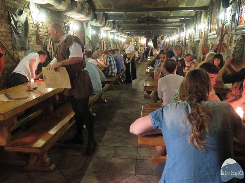Restaurante medieval Sir Lancelot Budapest - Salón principal