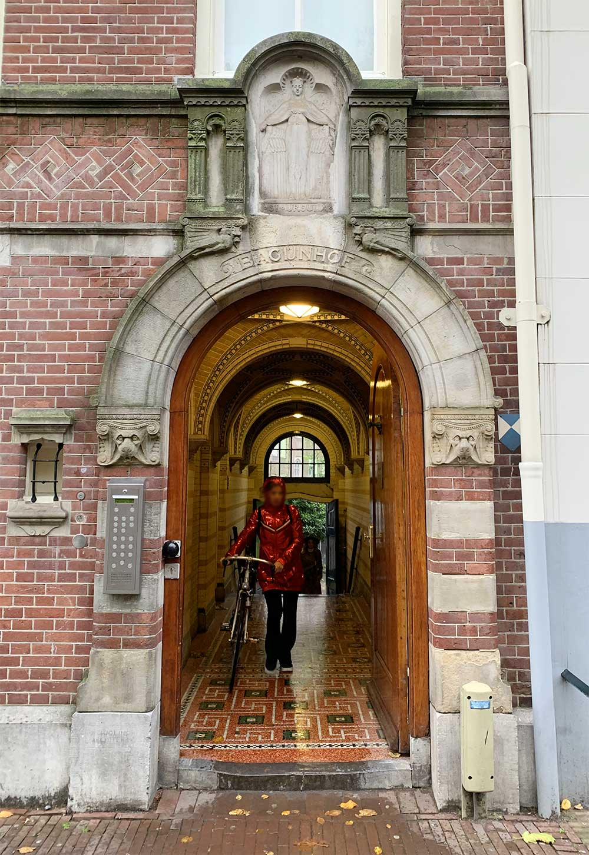 Rincones secretos de Amsterdam - Entrada a Bejinhof
