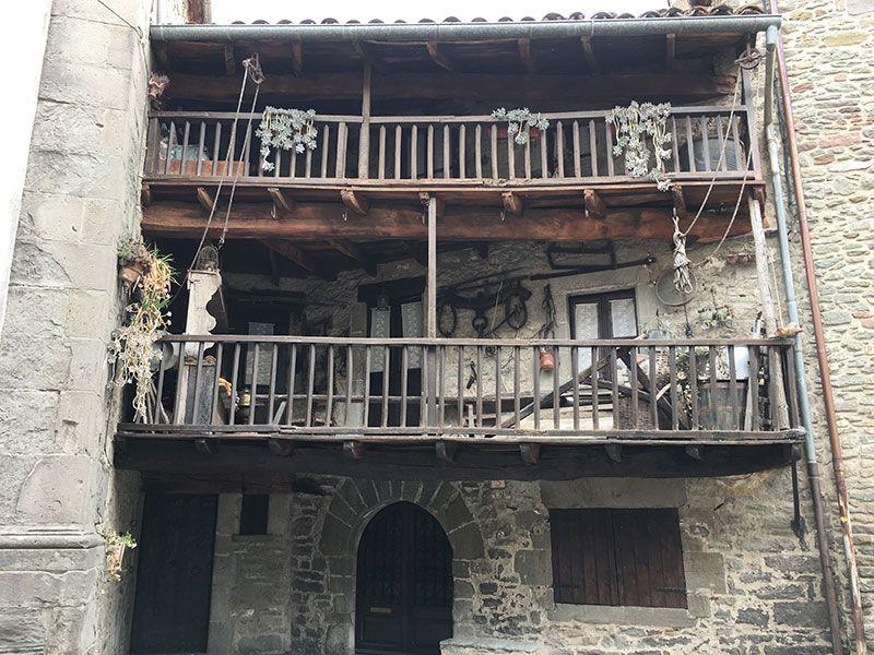 Rupit i Pruit - Pueblos con encanto de Barcelona - Balconadas