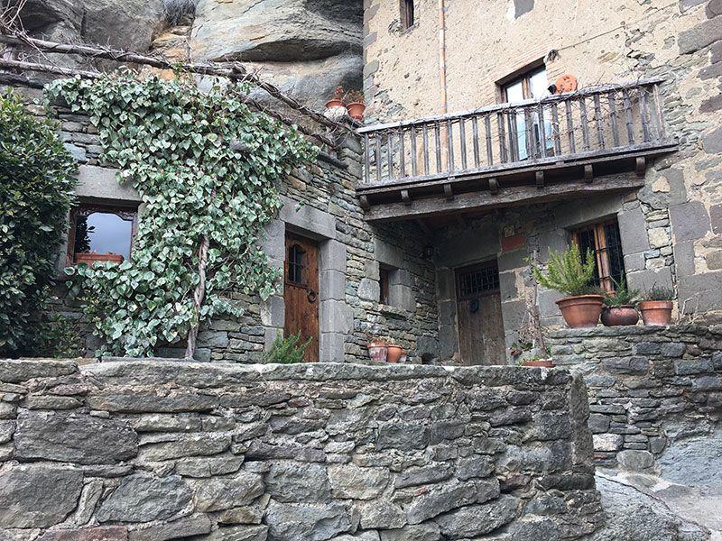 Rupit i Pruit - Pueblos con encanto de Barcelona - Casas de piedra