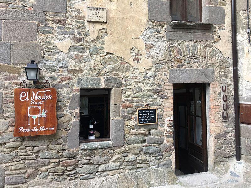 Rupit i Pruit - Pueblos con encanto de Barcelona - Tienda de artesanía