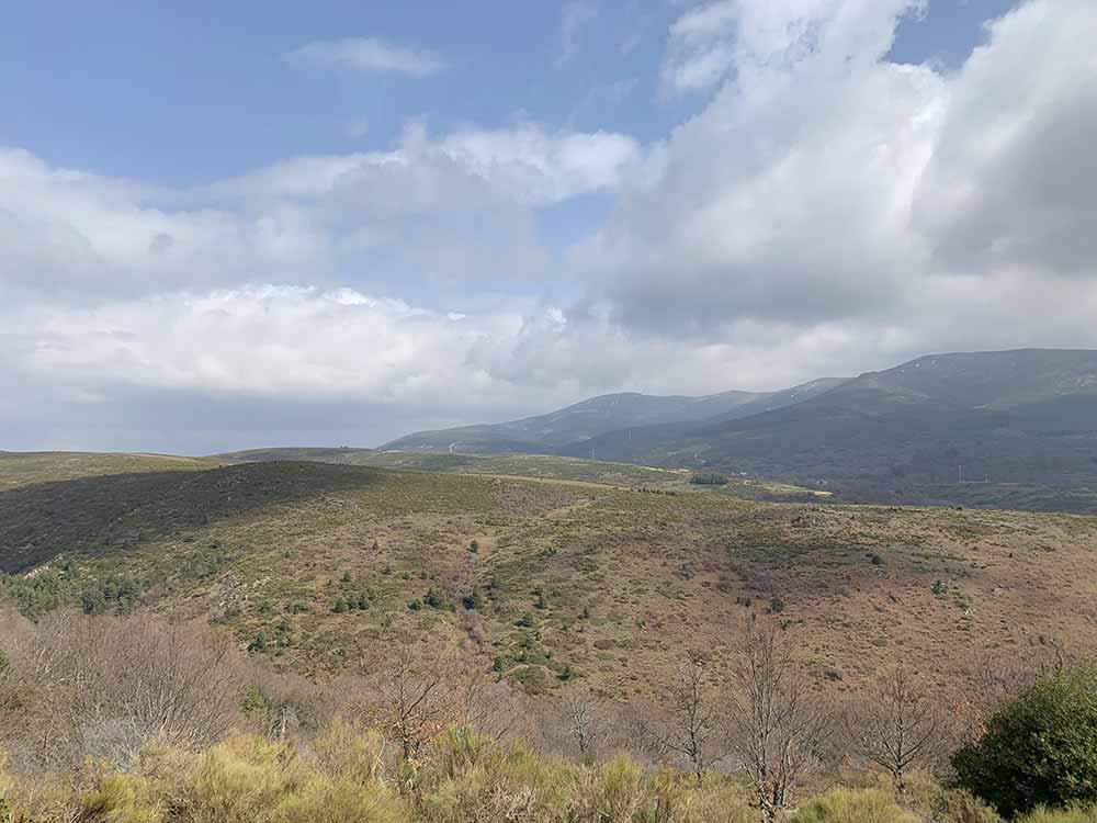 Paisajes de la ruta de senderismo a la acebeda de Robregordo