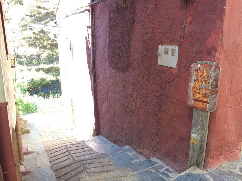 Ruta al Chorro de la Meancera - Indicaciones en El Gasco