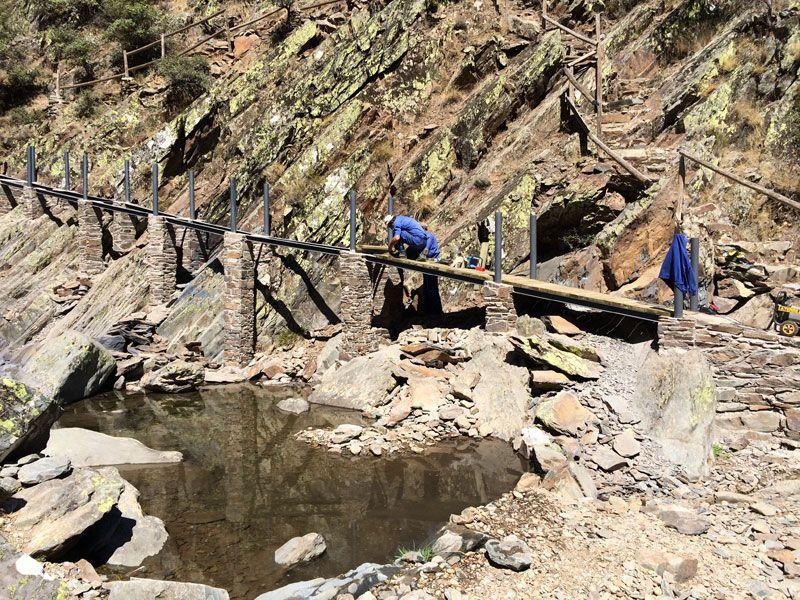 Ruta al Chorro de la Meancera  - Obras en el sendero
