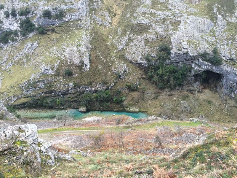 Río Cares y sus aguas turquesas - Ruta del Cares