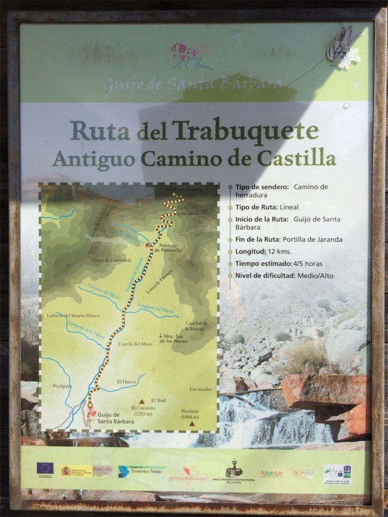 Cartel indicativo de la ruta de senderismo del Trabuquete