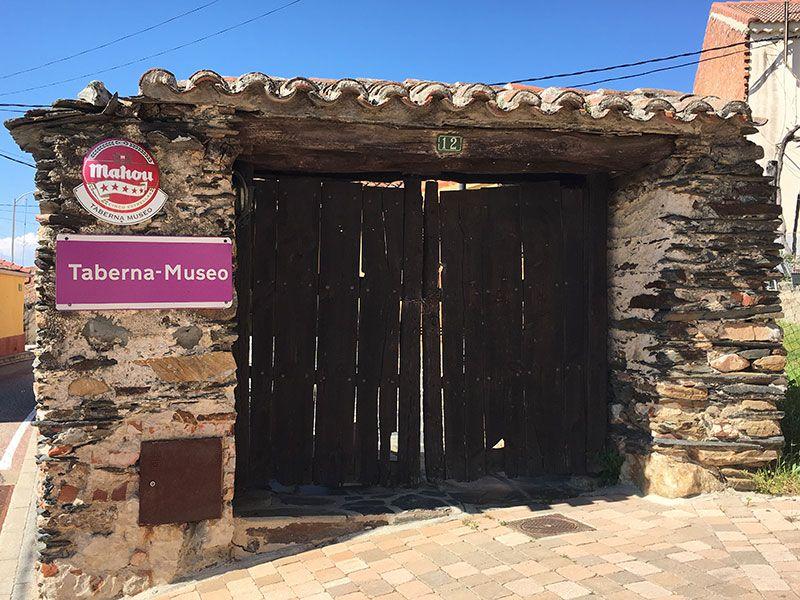 Rutas y pueblos del Embalse del Atazar - Taberna Museo en Robledillo de la Jara