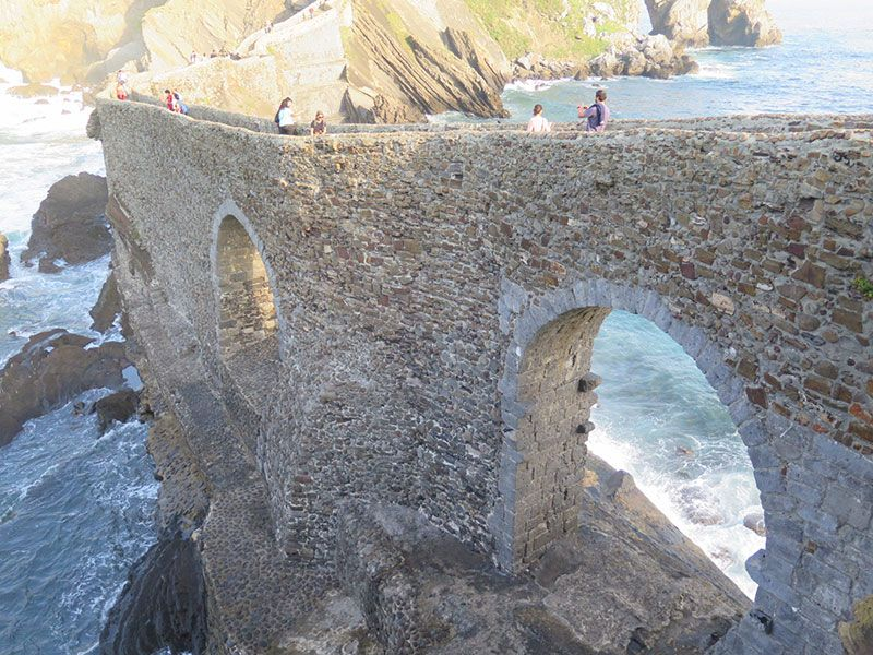 San Juan de Gaztelugatxe - Puente de piedra