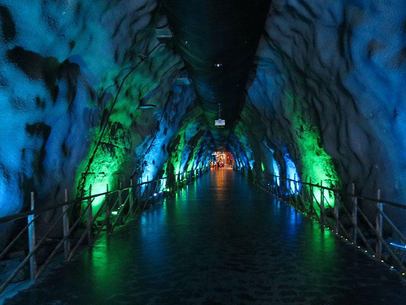 Santa Park - Cueva de los elfos de Papa Noel - Rovaniemi - Túnel de entrada