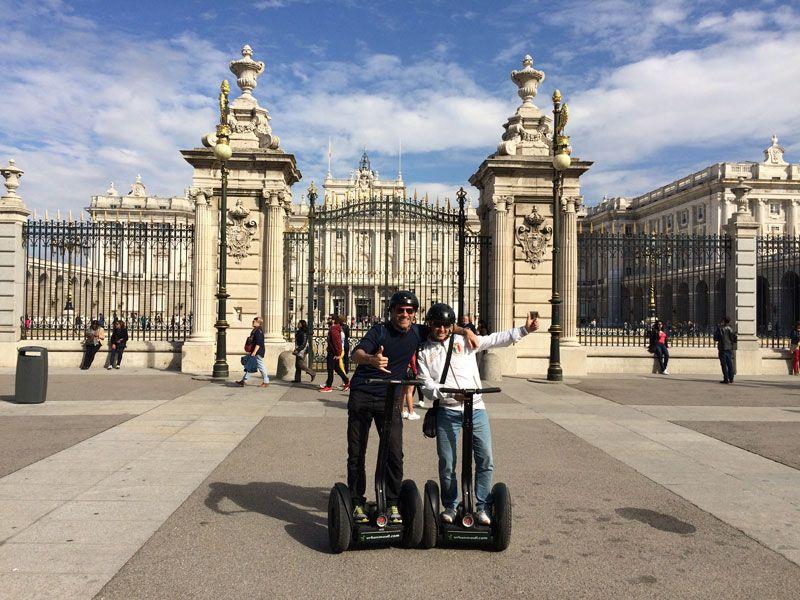 Segway Madrid - Fran y Ram junto al Palacio Real