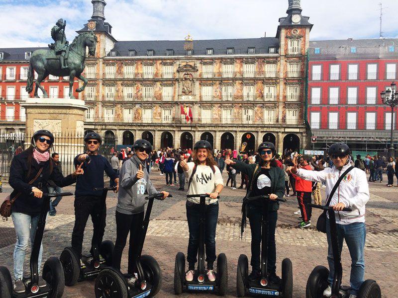 Segway Madrid - Todos juntos en la Plaza Mayor