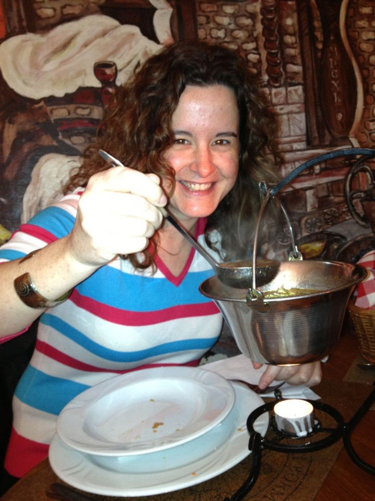 Sopa goulash del restaurante Laberintus de Szentendre