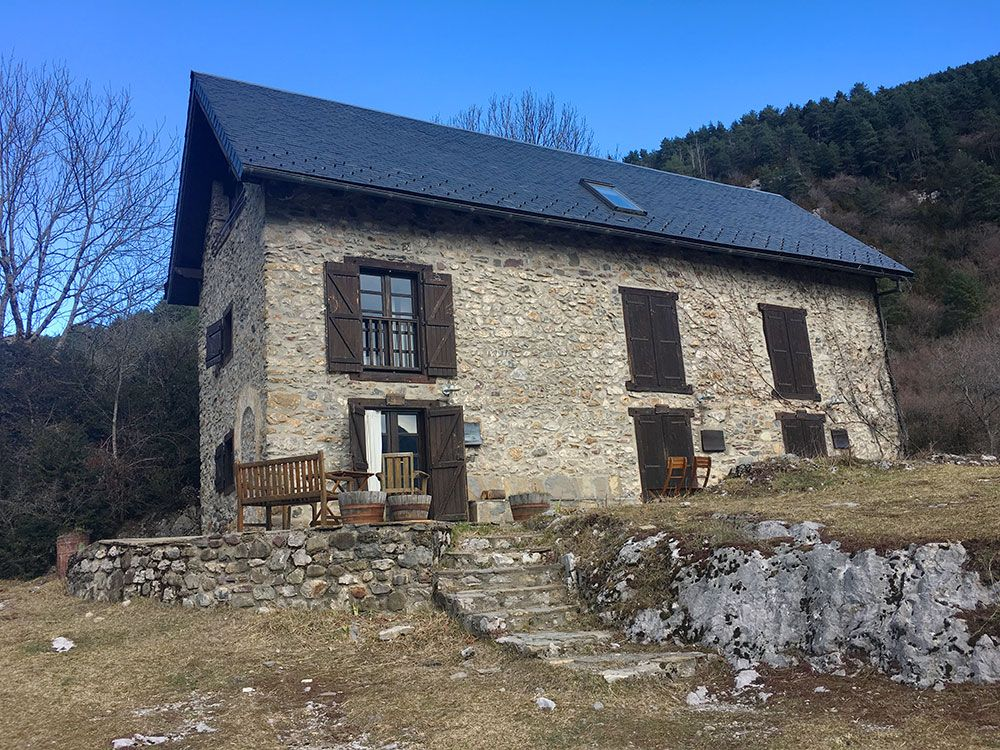 Subida a Los Llanos de La Larri - Senderismo La Pineta - Casa Rural