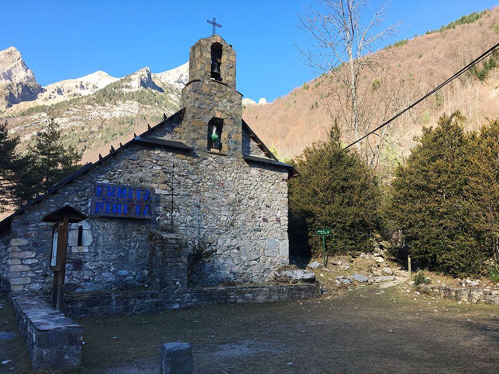 Subida a Los Llanos de La Larri - Senderismo La Pineta - Ermita