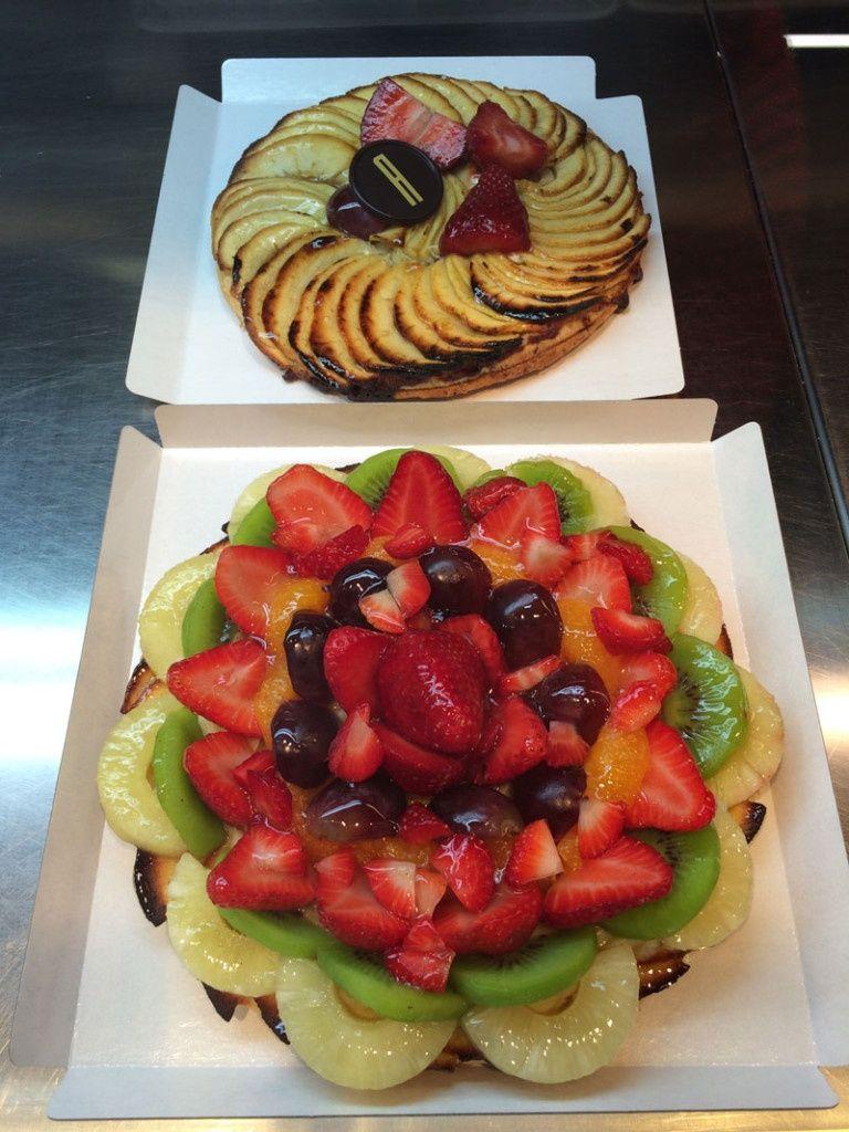 Tarta de manzana y tarta de fruta de la Pastelería Ascaso