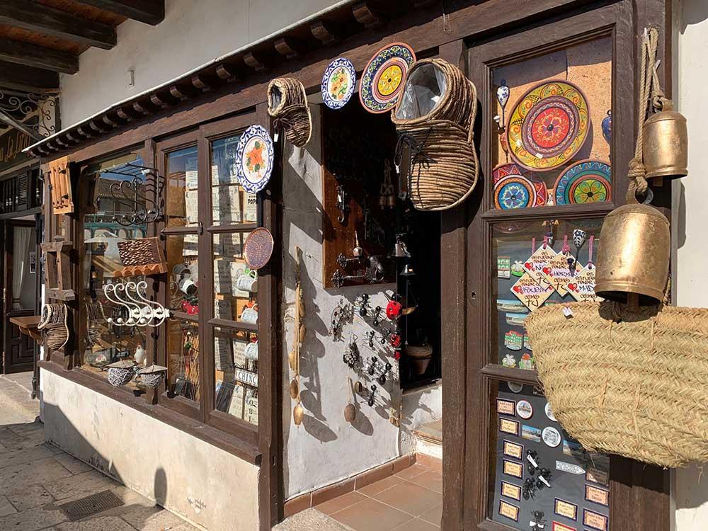Tienda de productos de artesanía local