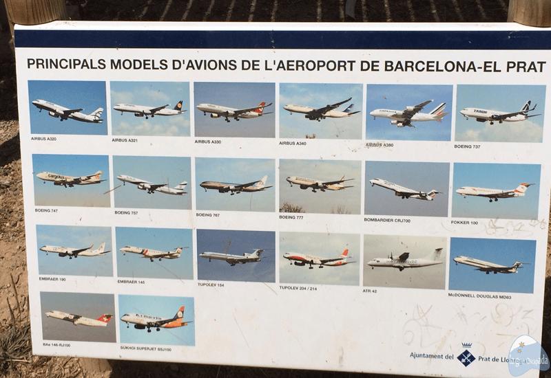 Cartel con los diferentes tipos de aviones que operan en el aeropuerto del Prat