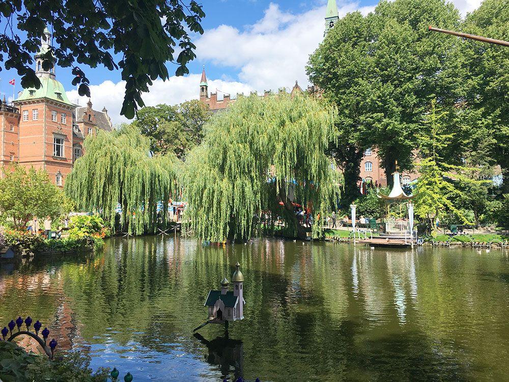 Parque de Atracciones Tivoli - Copenhague - Lago de los Jardines