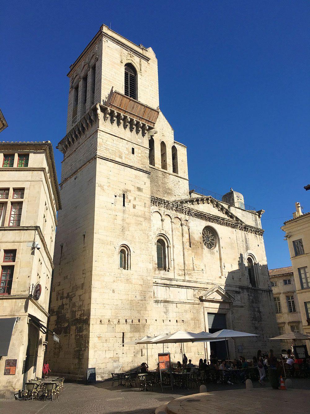 Escapadas en tren desde Barcelona al Sur de Francia - Nîmes - Catedral