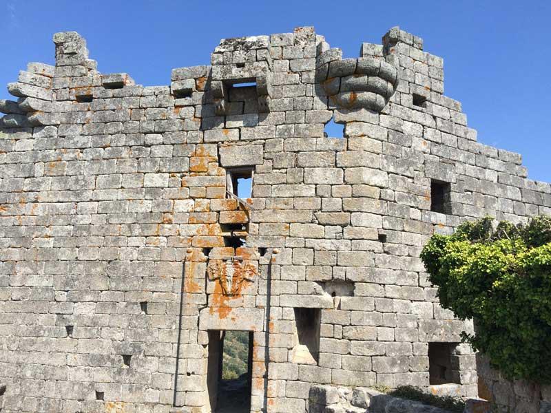 Fachada del Castillo de Trevejo