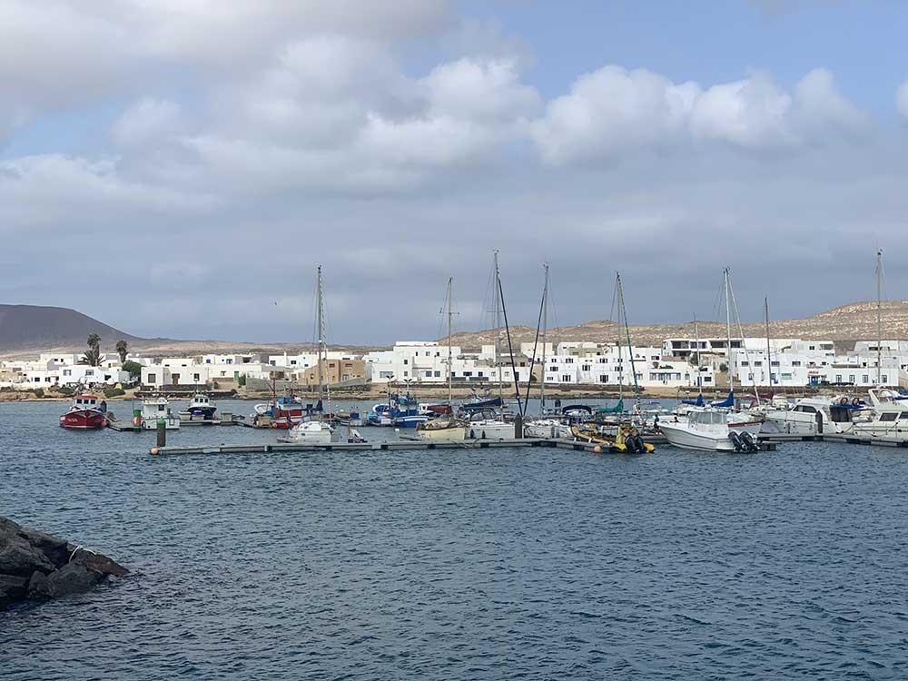 Puerto de Caleta de Sebo en La Graciosa