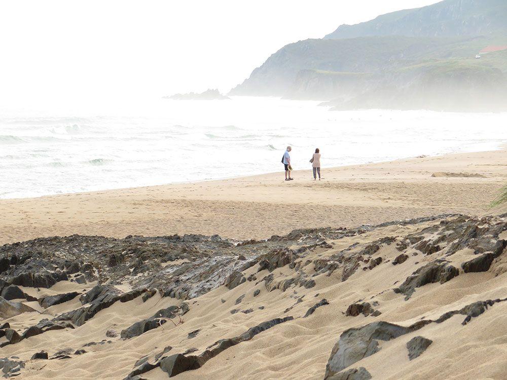 Valdoviño - A Coruña - Pareja en la playa
