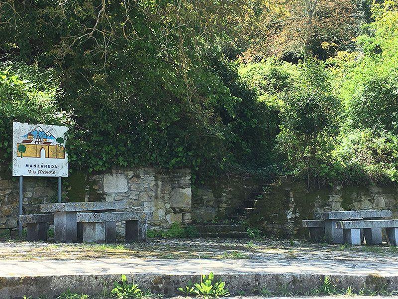 Villa medieval de Manzaneda - Trives - Entrada