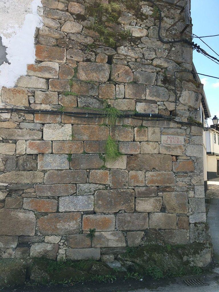 Villa medieval de Manzaneda - Trives - Porta de baixo
