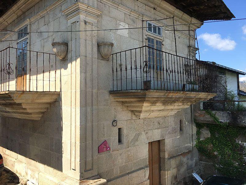 Villa medieval de Manzaneda - Trives - Torre dos Mencias